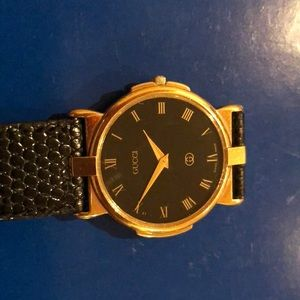 Gucci vintage watch unisex with original band